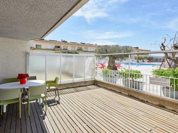 APPARTEMENT 7 ADULTS VUE SUR LA PISCINE